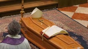 16 giám mục qua đời vì Coronavirus trong tháng Giêng 2021