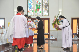 Gx. Vinh Trung: Liên tu sĩ 3 xứ họp mặt đầu Xuân Tân Sửu