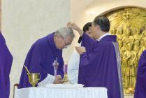 Gx. Chánh Tòa Bà Rịa: Đức Cha Emmanuel cử hành Lễ Tro- Khai mạc Mùa Chay Thánh 2021