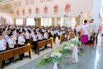 Gx. Dũng Lạc: Thánh lễ ban Bí Tích Thêm Sức