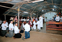 Tin Ảnh: Giáo họ Ruộng Tre: Cử hành Tam Nhật Thánh 2021