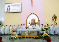 Tin ảnh: Gx. Ngãi Giao: Thánh lễ khai mạc ngày Chầu Thánh Thể thay giáo phận