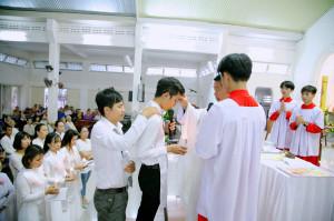 Tin ảnh: Gx. Lam Sơn: Cử hành nghi thức Khai Tâm Kitô Giáo cho 8 dự tòng