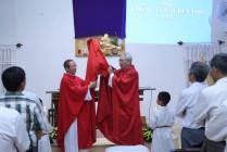 Giáo điểm Côn Sơn: Đức Cha Giáo phận cử hành các nghi thức Thứ Sáu Tuần Thánh
