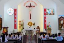 Tin Ảnh: Gx. Trung Đồng: Chầu Thánh Thể thay giáo phận