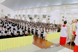 Gx. Lam Sơn: Thánh lễ ban Bí tích Thêm Sức