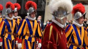 ĐTC Phanxicô gặp các vệ binh Thụy Sĩ phục vụ tại Vatican