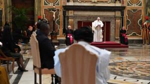 ĐTC tiếp các tân đại sứ cạnh Tòa Thánh