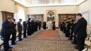 Đức Thánh Cha: Không phải là linh mục Công giáo nếu tách ra khỏi dân Chúa
