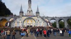 Trung tâm Thánh mẫu Lộ Đức tái khởi động các cuộc hành hương