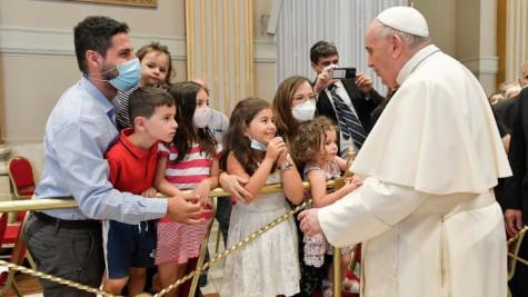 ĐTC Phanxicô nói với các phó tế vĩnh viễn: đừng là linh mục nửa vời