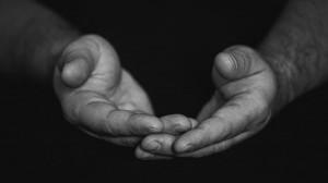 Đôi vợ chồng tha thứ cho người tông chết 3 người con