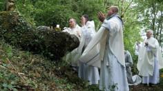 """""""Tảng Đá Lễ"""" đang canh tân Đức tin ở Giáo hội Ai-len thế nào?"""