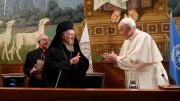 ĐTC chúc mừng Đức Thượng phụ Bartolomeo nhân 30 năm là TGM Constantinople