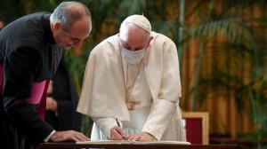 ĐTC và các lãnh đạo tôn giáo kêu gọi giảm khí thải carbon xuống mức zero