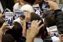 Mạng xã hội và chủ nghĩa tiêu thụ truyền thông: Cảnh báo của Đức Phanxicô