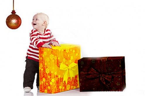 christmas-baby-boy-gift-box-standing-22053779