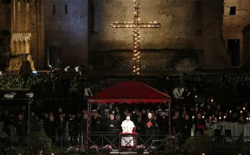 pope-via-crucis_2523341b