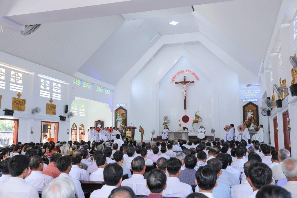 Kết quả hình ảnh cho nhà thờ thánh lễ
